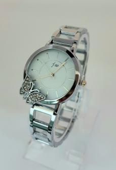 Damski zegarek ze srebrną bransoletą